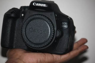 Canon EOS 600D Body with Lens